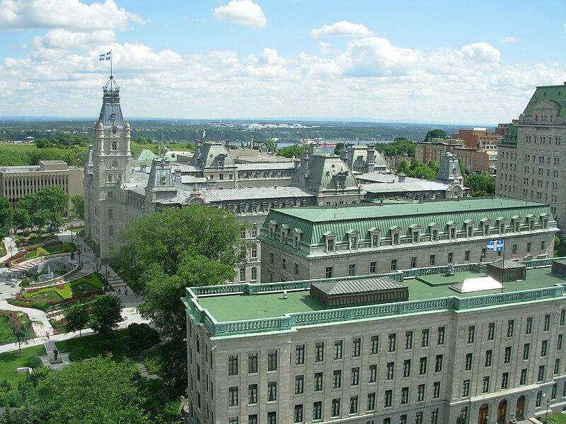 L'Hôtel du Parlement.