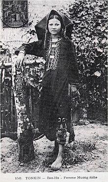 Phụ nữ Mường xưa.jpg