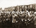 Piłsudski, Petlura Polish and Ukrainian Officers 1920.jpg