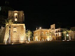 Piazza liberta vista notturna.jpg