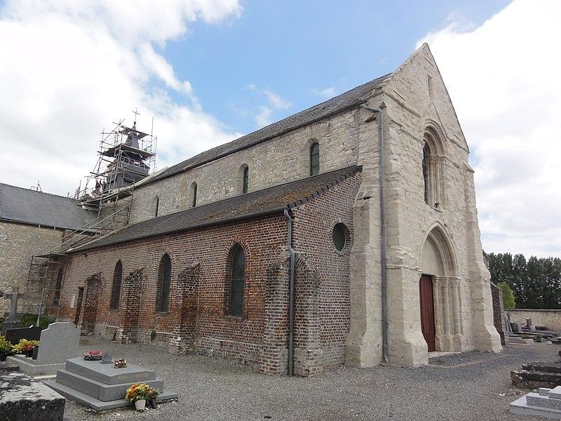 Pierrepont (Aisne) église (en travaux)