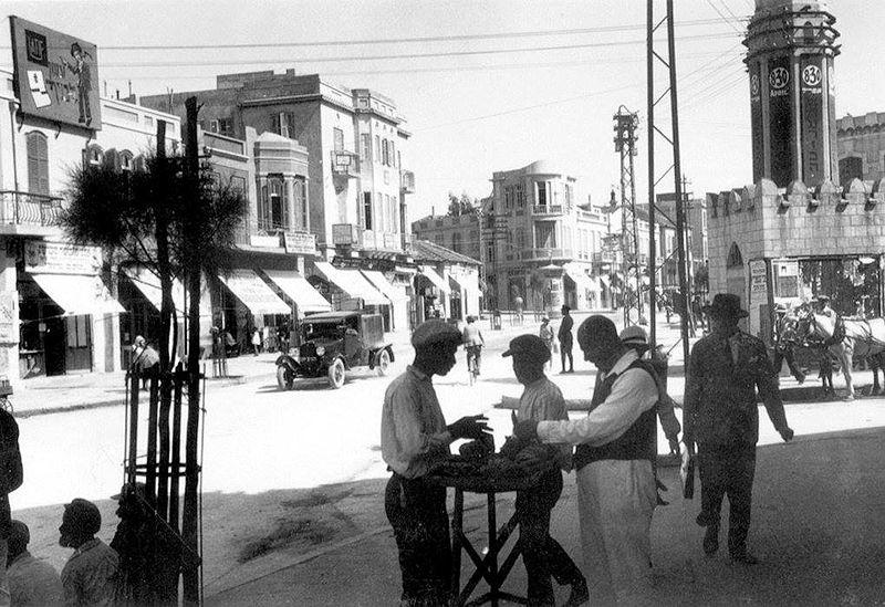 תל אביב - הכניסה לשוק הכרמל