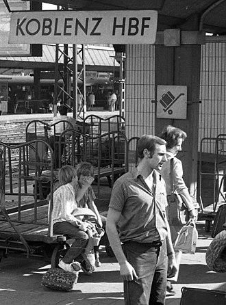 Koblenz Hauptbahnhof - Station platform, 1971