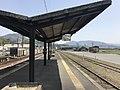 Platform of Bungo-Mori Station 9.jpg