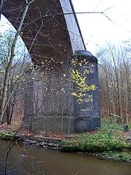 Pod Hamrštejnem, železniční most.jpg