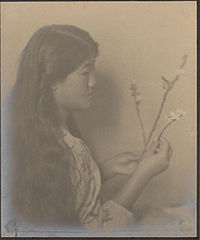 Portrait of Japanese-Hawaiian girl (profile) 1909.jpg