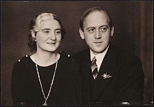 Sigmund Skard - Sigmund Skard (right), with his wife Åse Gruda