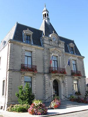 Pré-en-Pail - The town hall in Pré-en-Pail
