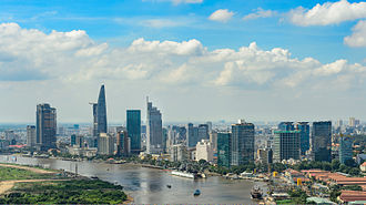 Hoa people - Ho Chi Minh City continues to be Vietnam's major financial district and business networking hub for Hoa businessmen. The city is now teeming with thousands of prospering Chinese businesses.