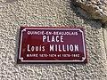 Quincié-en-Beaujolais - Place Louis Million - Plaque (mars 2019).jpg