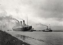 Photo du Titanic partant pour des essais en mer.