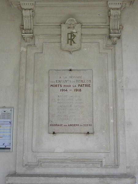 Reillon (M-et-M) plaque monument aux morts sur la mairie