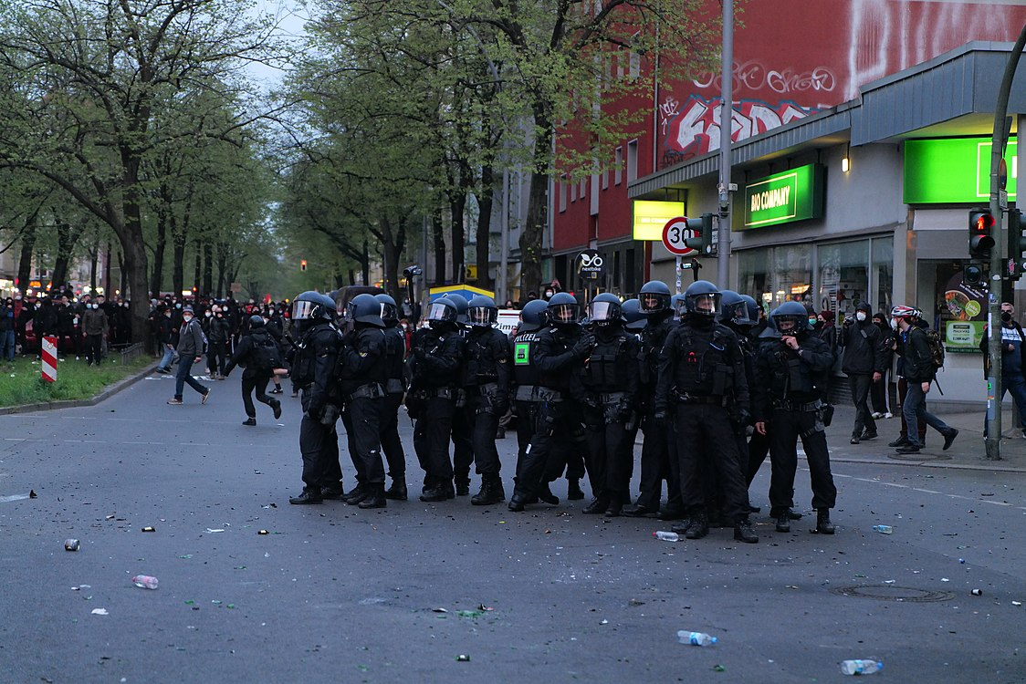 Revolutionary 1st may demonstration Berlin 2021 133.jpg