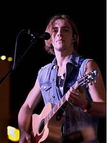 Rocky Lynch Guitar Live.jpg