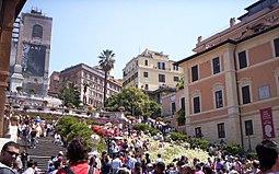 La escalinata llena de turistas