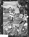 Ronde van Italië (Giro) Renners gooien elkaar met water, Bestanddeelnr 912-5676.jpg