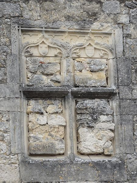 Rupt-aux-Nonains (Meuse) blasons sur façade maison
