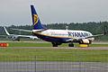 Ryanair, EI-EFM, Boeing 737-8AS (16270923717).jpg