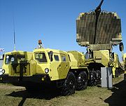 A 64N6E2 reconnaissance radar, which forms part of the 83M6E2 command post of this S-300PMU-2 system.