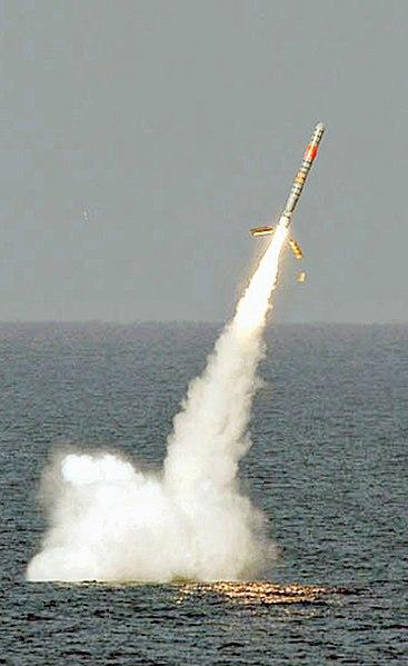 صاروخ توماهوك العابر للقارات 367px-SSGN728_030116-N-XXXXX-001