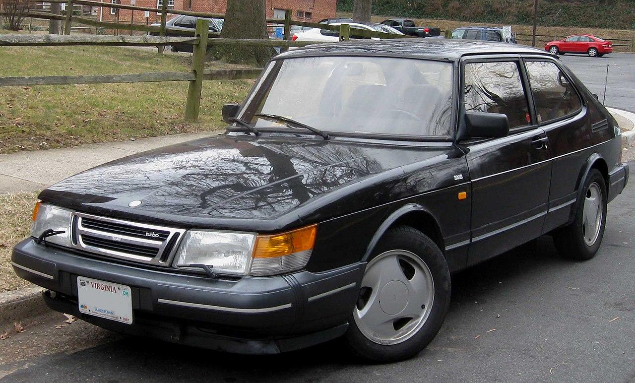 ����������� �� Saab 900