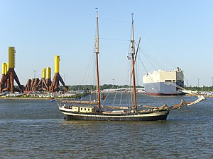 Sailing ship Zuiderzee in Bremerhaven.jpg
