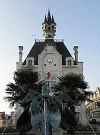 Saint-Méen-le-Grand (35) Mairie 1.jpg
