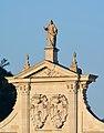 Salzburger Dom Ziergiebel Christus Statue DSC 3155w.jpg