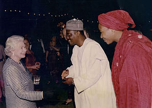 Queen of Nigeria - Elizabeth II (left) in Nigeria 2003 Saidu Samaila Sambawa (centre)