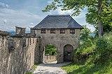 Sankt Georgen am Längsee Burg Hochosterwitz 06 Manntor 01062015 4270.jpg