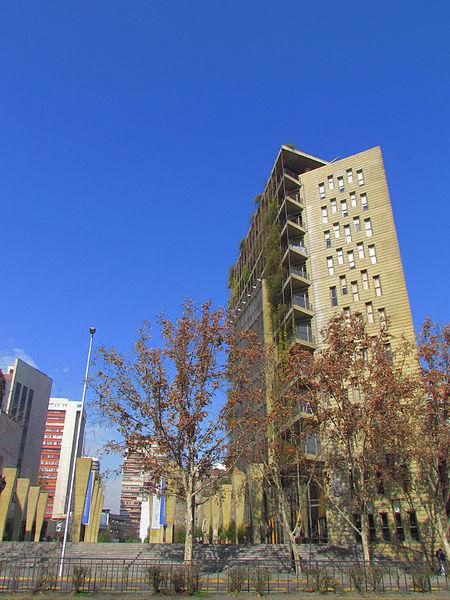 File:Santiago, edificios centro (9623196435).jpg