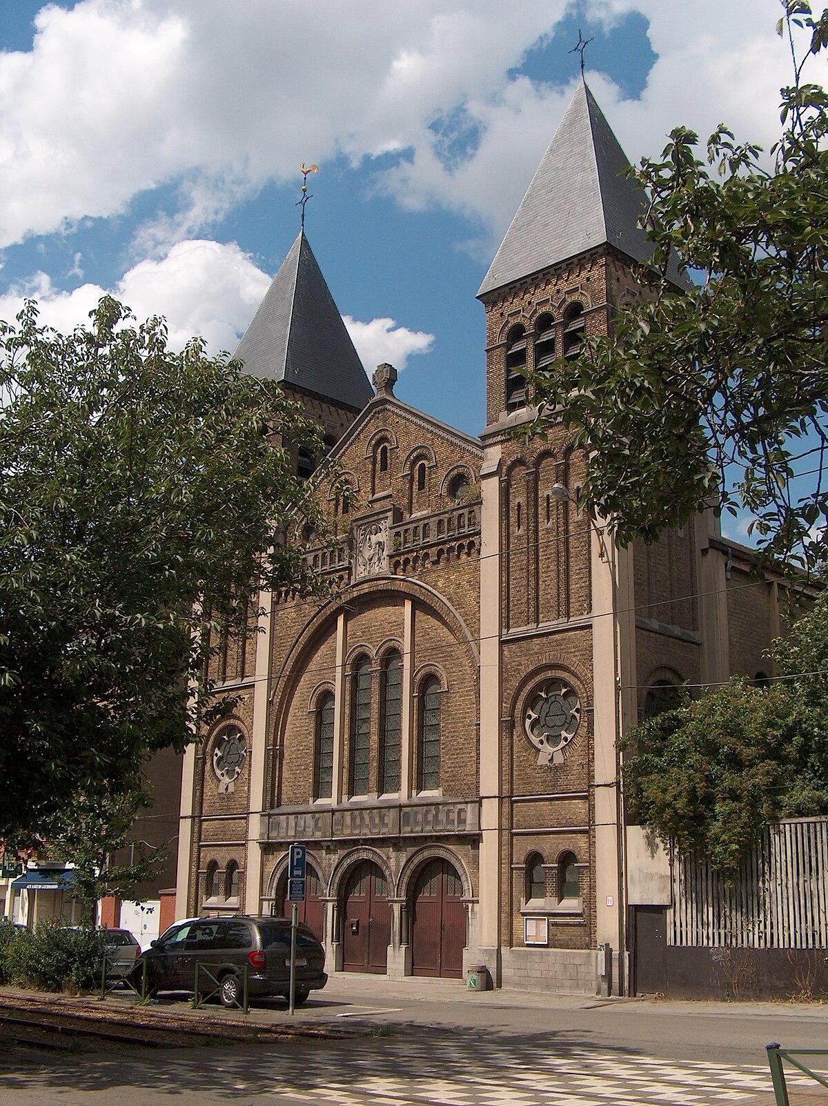 Glise sainte th r se d 39 avila schaerbeek wikip dia - Eglise sainte therese guilherand granges ...