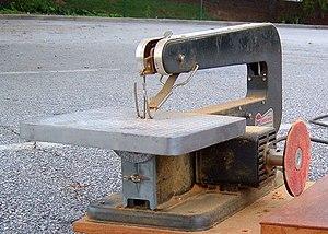 Scroll saw - Dremel scroll saw