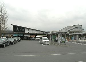 Seibu-chichibu-Station-20100328.jpg