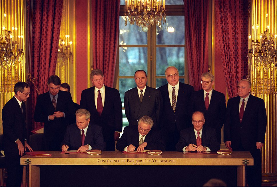Slobodan Milosevic, Alija Izetbegovic, and Franjo Tudjman sign the Balkan Peace Agreement - Flickr - The Central Intelligence Agency