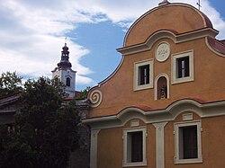 Smolnice 4 a kostel.jpg