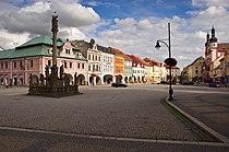 Sousoší nejsvětější trojice na náměstí v Chomutově.jpg