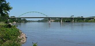 U.S. Route 77 in Iowa - US 77 crossing the Missouri River into Iowa