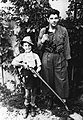 Stanko Lapuh s sinom Nikolajem 1939.jpg