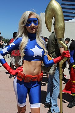 Stargirl cosplayer (48350945836).jpg