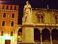 Statue of Dante, Verona.jpg