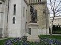 Statue st Vincent de Paul.jpg