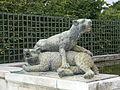 Statues - Tigre Terrassant un Ours - (1685-1687) - Jacques Houzeau - (1624-1691) - Bathasar Keller - (1638-1702) - Fontaine du Point du Jour - Versailles - P1180500.jpg