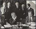Stichting van de Arbeid bijeen te Den Haag. De belangrijkste mensen van het over, Bestanddeelnr 041-0549.jpg