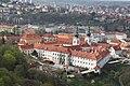 Strahovský klášter, Praha, pohled z petřínské rozhledny.JPG