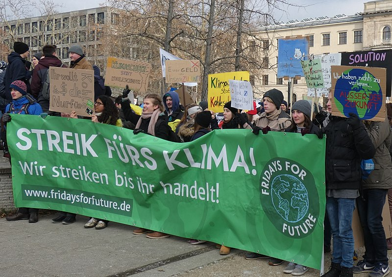 Datei:Streik fürs Klima! Fridays for Future, Berlin, 25.01.2019 (cropped).jpg