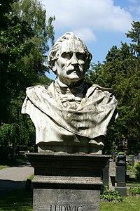 Stuttgart Pragfriedhof Ludwig Hofer2.JPG