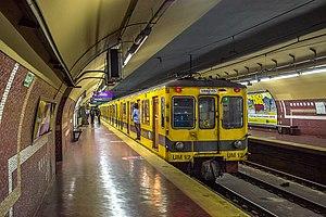 José María Moreno (Buenos Aires Underground) - Image: Subte José Maria Moreno