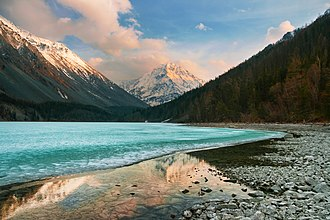 Mountain research - Lake Kucherla in the Altai Mountains.