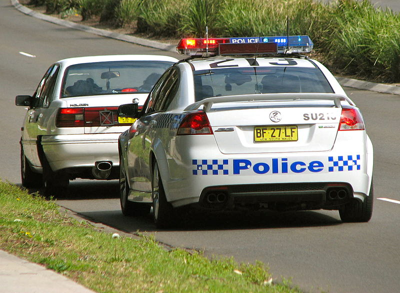 File:Sutherland 213 Commodore SS traffic stop - Flickr - Highway Patrol Images.jpg
